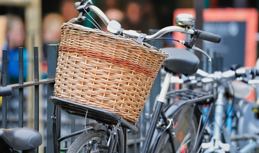 Radfahren ist gesund: Nicht immer werden die Drahtesel jedoch ordnungsgemäß abgestellt.    Foto: Shutterstock