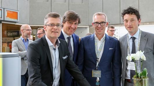 Von links: Hugo Rohner, CEO SKIDATA AG, Pieter Litjens, Stadtrat für Verkehr der Stadt Amsterdam, Willem-Jan Balk, Area Managing Director Northern Europe und Country Manager SKIDATA Netherlands, Paul Oudeman, Chef der Garage Parking Amsterdam. (Foto: SKIDATA)