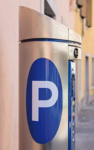 Die Parkgebühren für das Falschparken sind in Deutschland im Vergleich zu anderen Städten eher gering. Foto: Shutterstock
