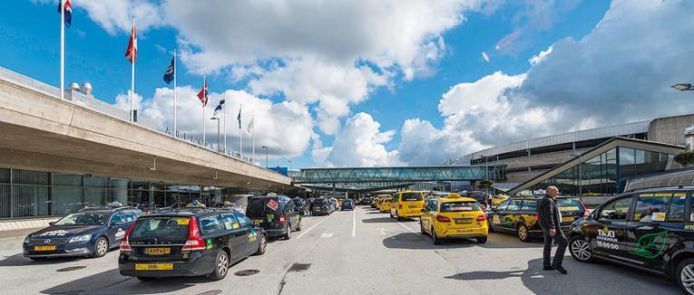 Seit mehreren Jahren betreibt APCOA ein Taxi-Management-System am Stockholmer Airport Arlanda. Diesen neuen Dienst führte der Parkraumbewirtschafter nun auch am Flughafen Berlin-Schönefeld ein.