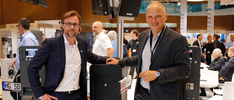 Systemhersteller Scheidt & Bachmann und der Torantriebs- und Schrankenhersteller ELKA-Torantriebe setzen auf eine langjährige Kooperation.