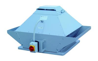 Marktneuheit aus dem Hause Systemair: Der DVG EC Brandgasventilator mit vertikalem Ausblas ist für den Abzug von Hitze und Brandgasen im Brandfall, aber auch für die tägliche Bedarfslüftung geeignet.