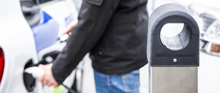 MAHLE stellt neues E-Ladesystem für Dauerparker vor