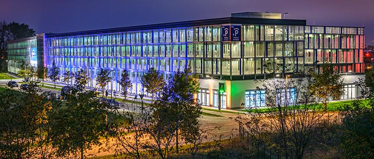 """Das Parkhaus """"Northgate"""" verfügt über zwölf Parkebenen auf 1.500 Quadratmetern Fläche. Foto: Contempo Zeitraffer I Mathias Richter"""